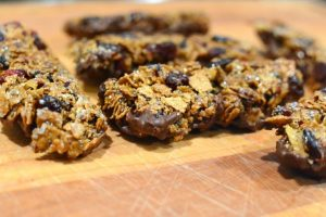Raisin Bran Chia granola bars