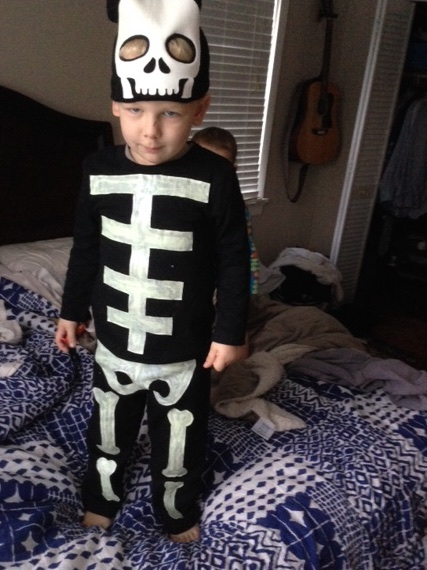 Homemade no-sew toddler skeleton costume